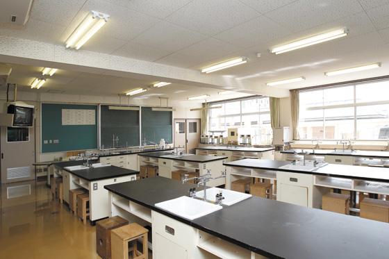 [2F] 理科実験室