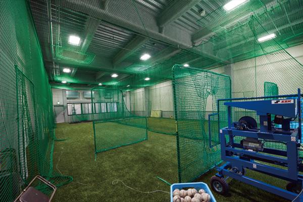 硬式野球部室内練習場 1F